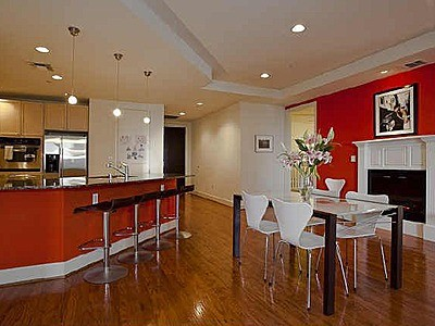 Beautiful 2 Bdr - High Floor